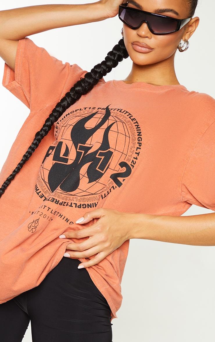 PRETTYLITTLETHING Orange Globe Printed Short Sleeve Washed T Shirt 4