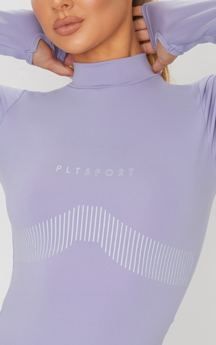 PRETTYLITTLETHING Grey Sport Line Detail Long Sleeve Gym Top 4