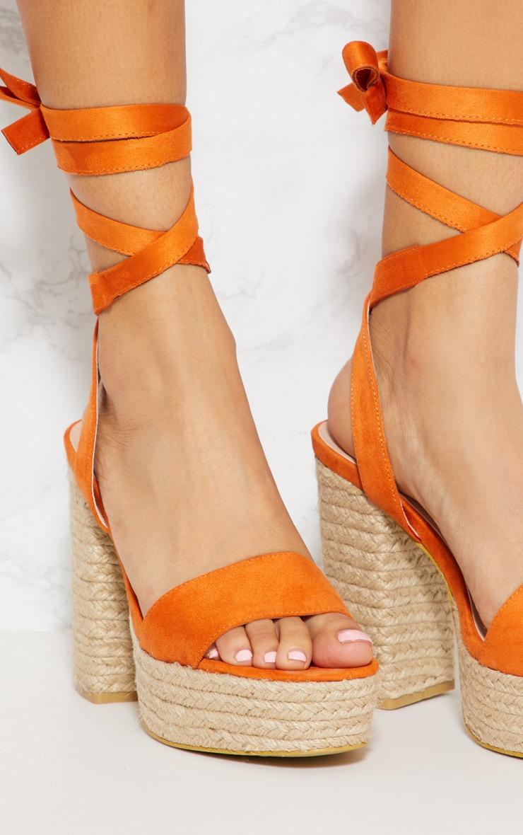 Sandales style espadrilles orange à plateforme et lacet 4