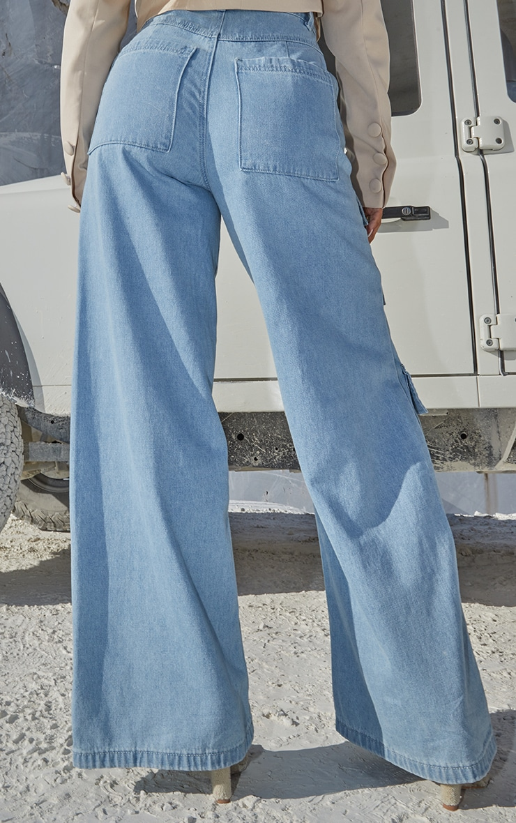 Light Blue Wash Straight Leg Denim Jeans 3