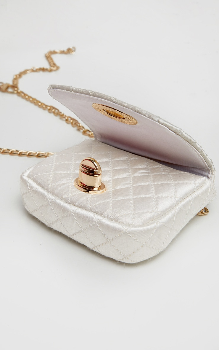 White Quilted Bag Gold Chain Belt 3