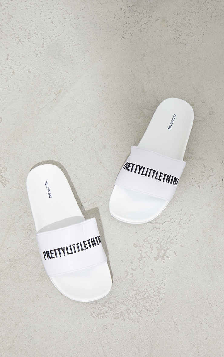 PRETTYLITTLETHING White PU Slides 3