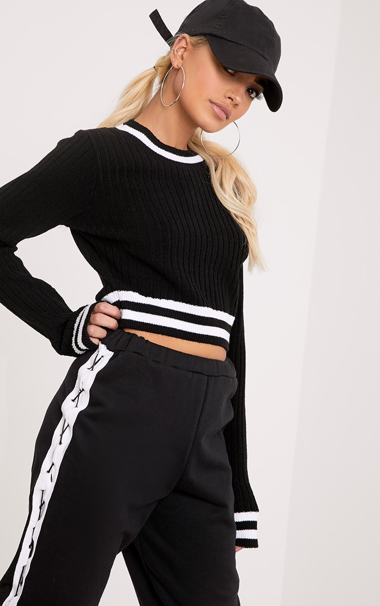 Zofia Black Tipped Knitted Crop Top 1