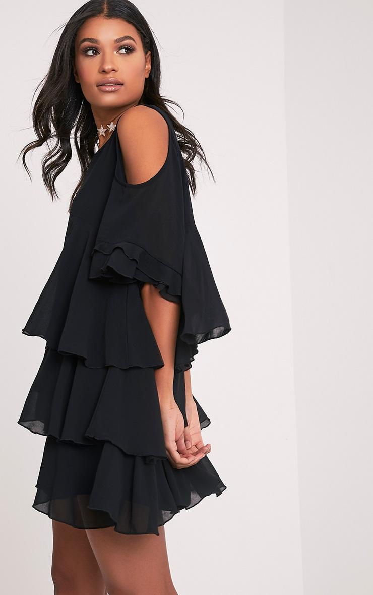Tessa robe trapèze noire volantée à épaules découvertes 4