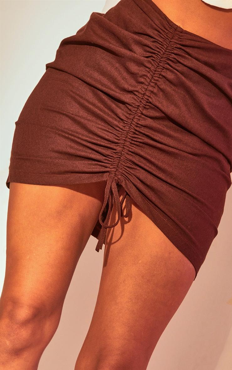 Mini-jupe marron chocolat froncée 6