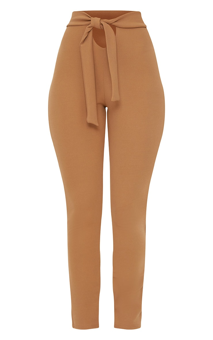 Pantalon camel à attache à la taille et découpe frontale 3