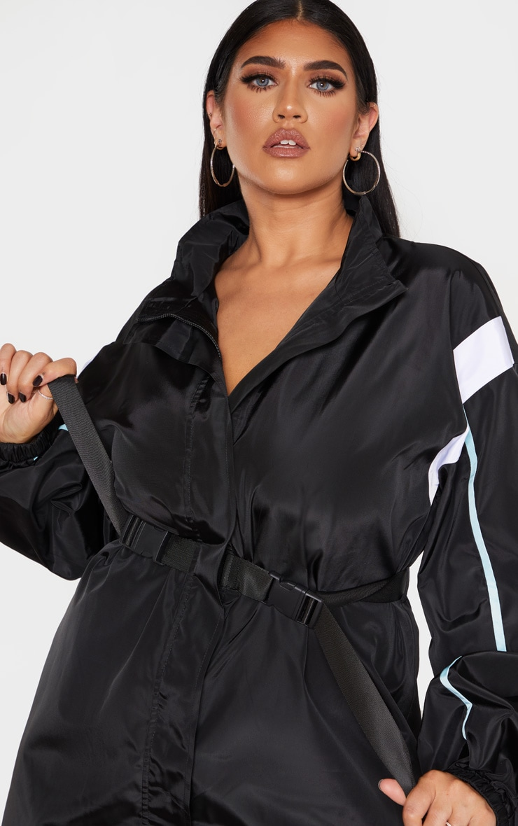 PLT Plus - Robe souple ceinturée noire à parties contrastées  4