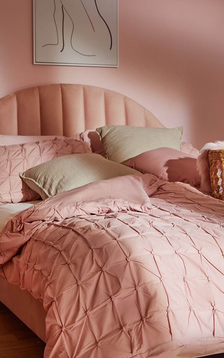 Dusty Pink Ruched Pin Tuck Super King Duvet Set image 1