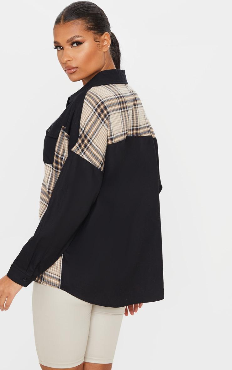 Chemise oversize noire à partie carreaux contrastante 2