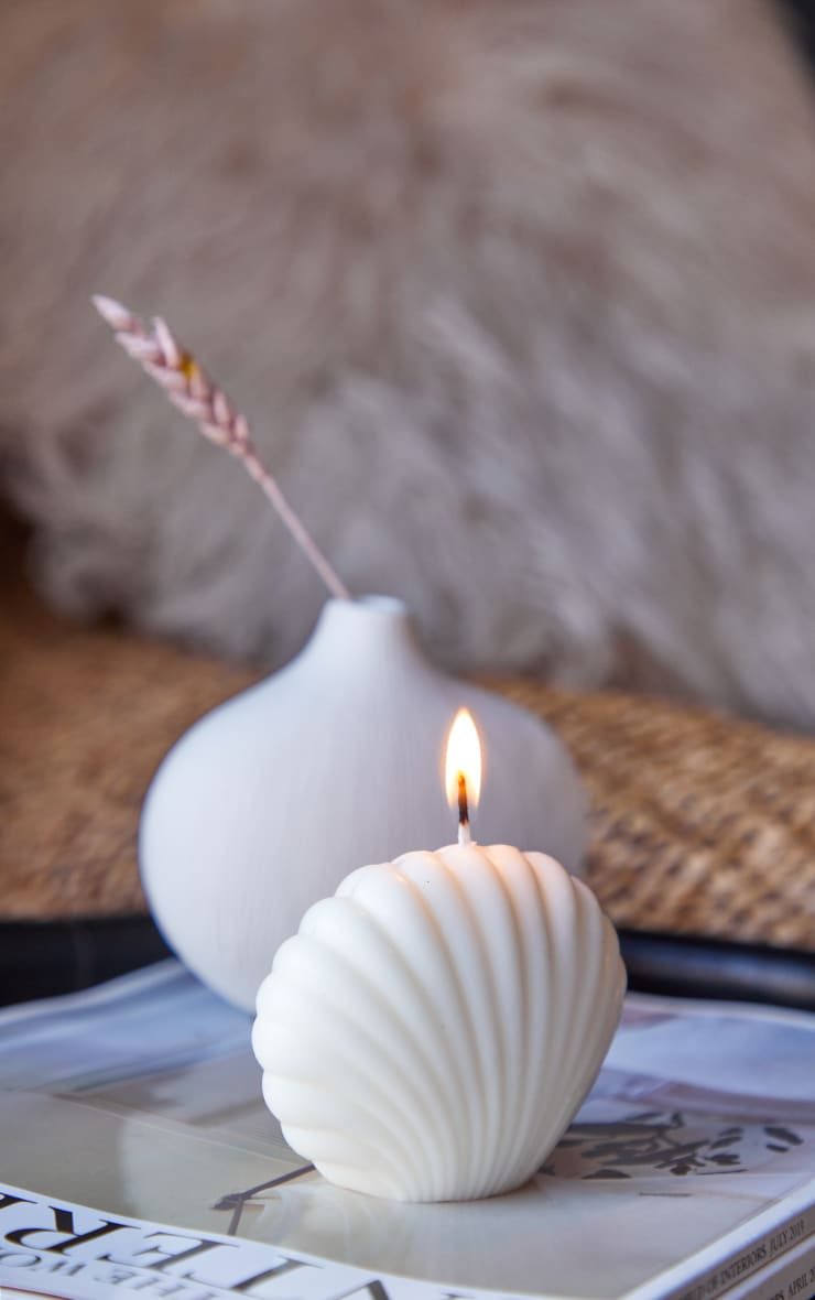 Cream Shell Candle 1