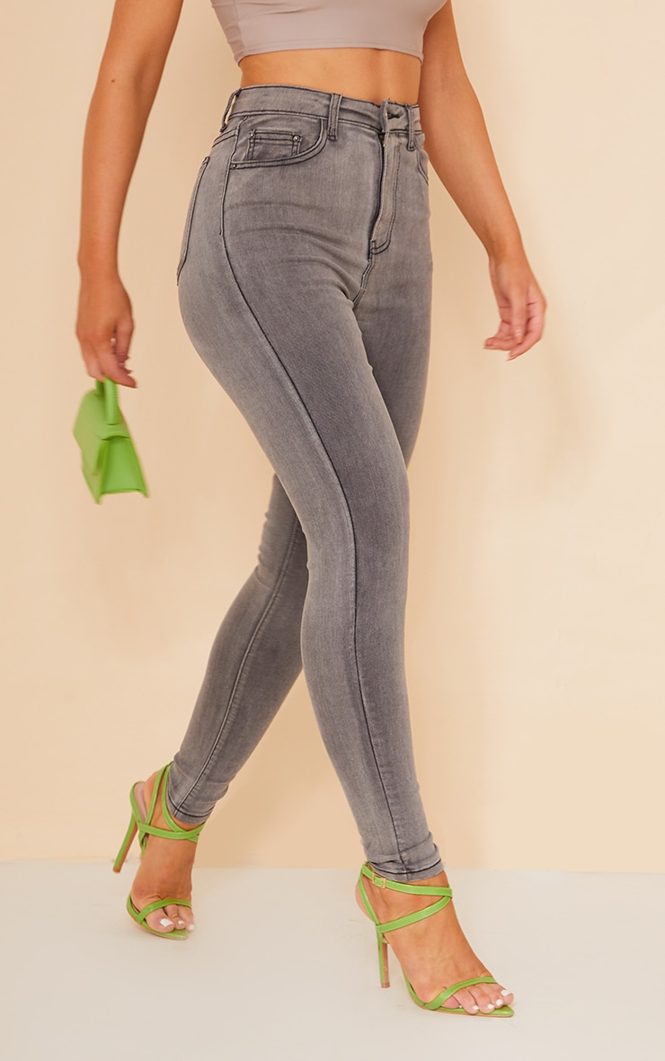 PRETTYLITTLETHING - Jean skinny gris à 5 poches 2