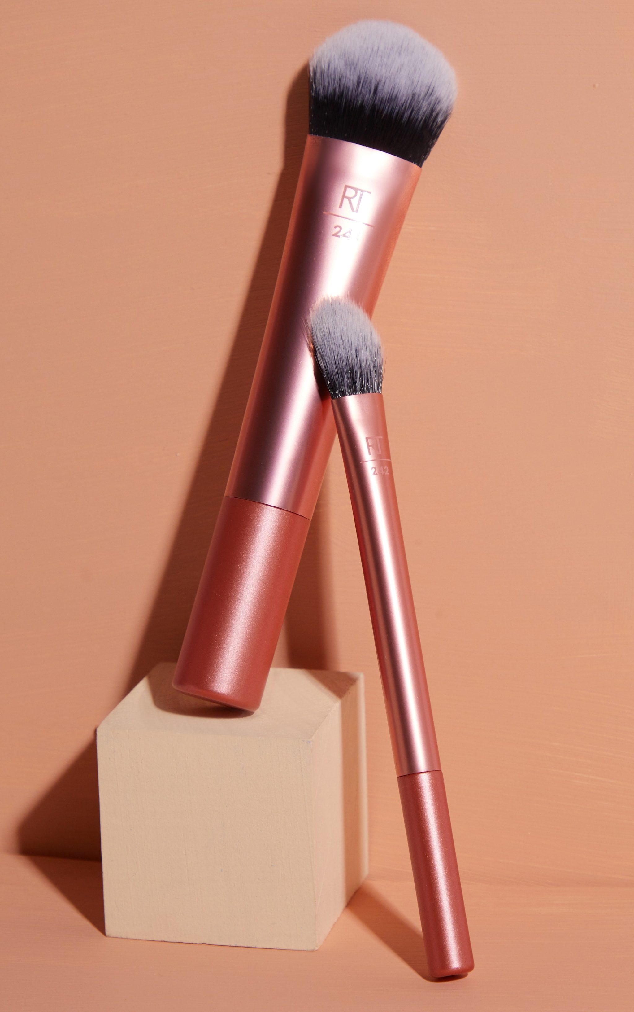 Real Techniques Seamless Complexion 3