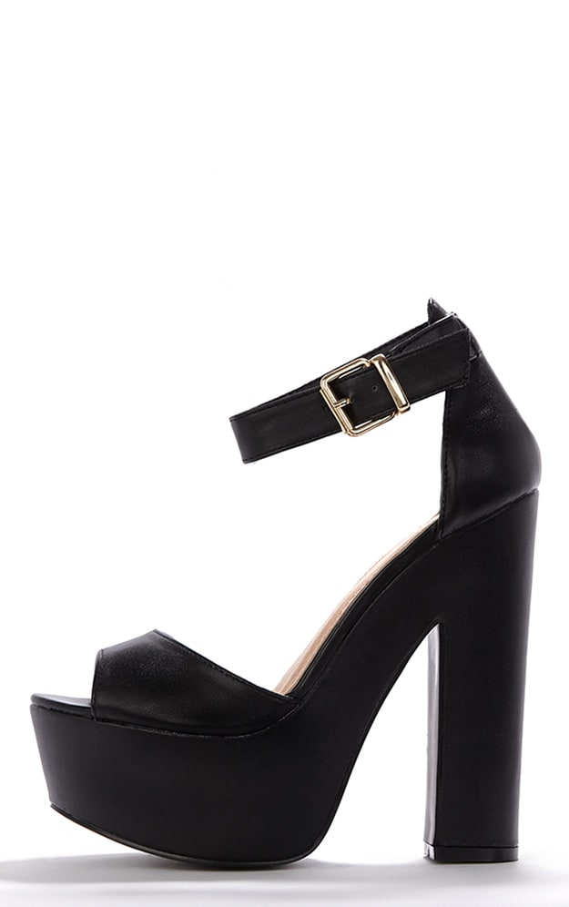 Madison Black Platform Sandal 1