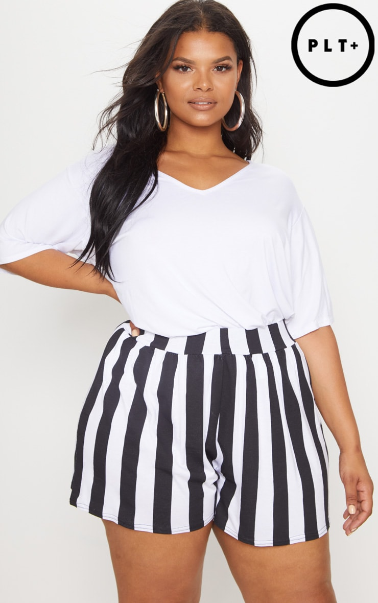 Plus Monochrome Striped Floaty Shorts 1