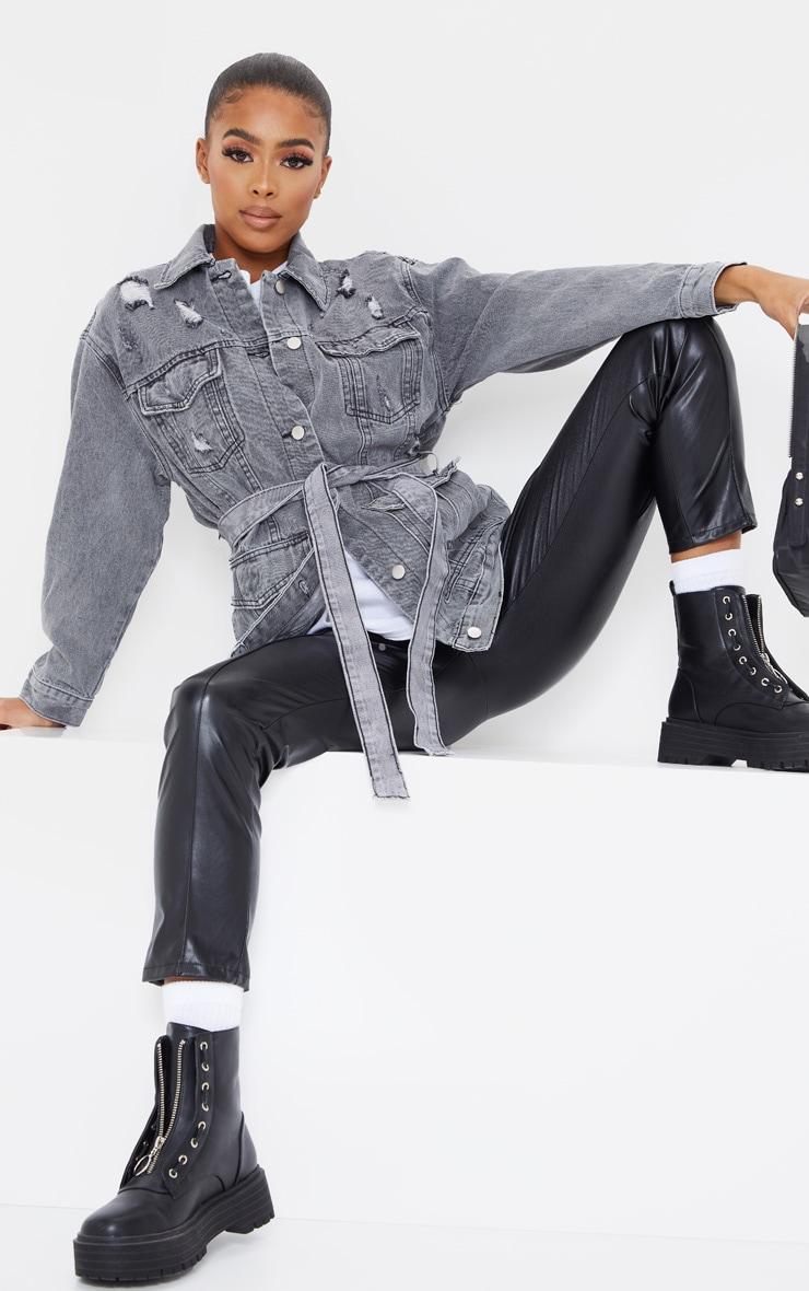 Veste en jean gris délavé style cargo à taille nouée et détail poches 1