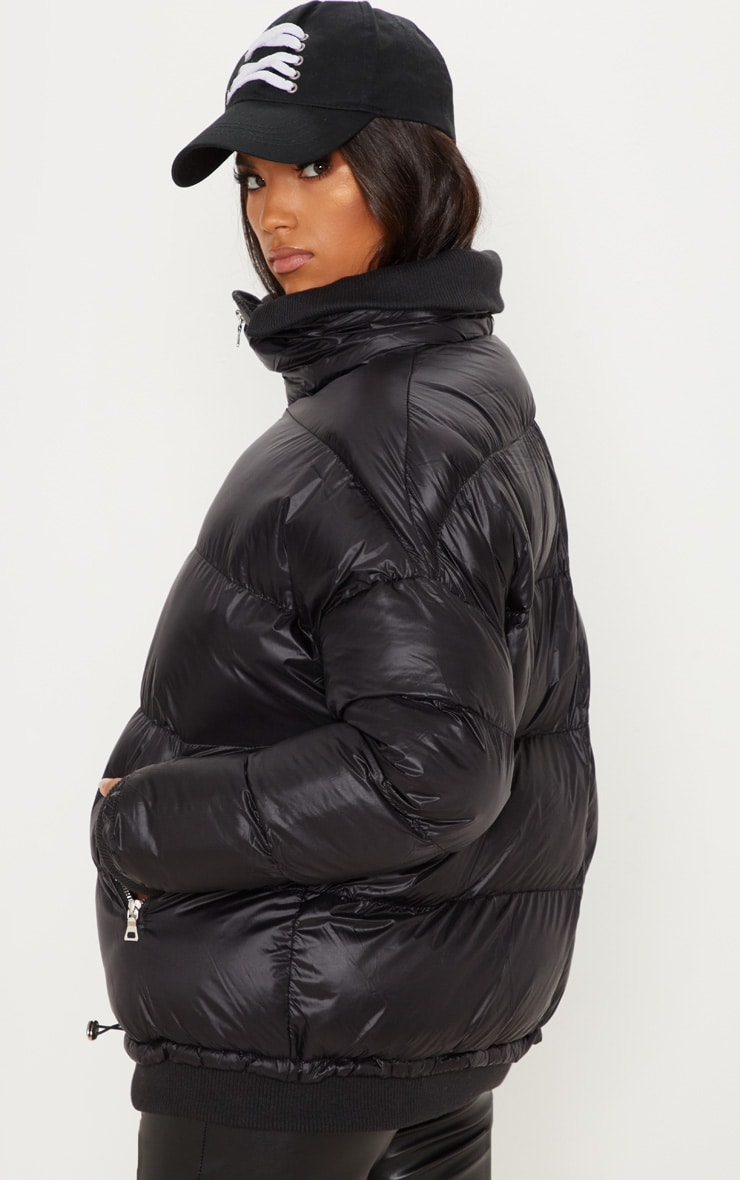 Black Oversized Puffer Jacket with Zip Pockets 2