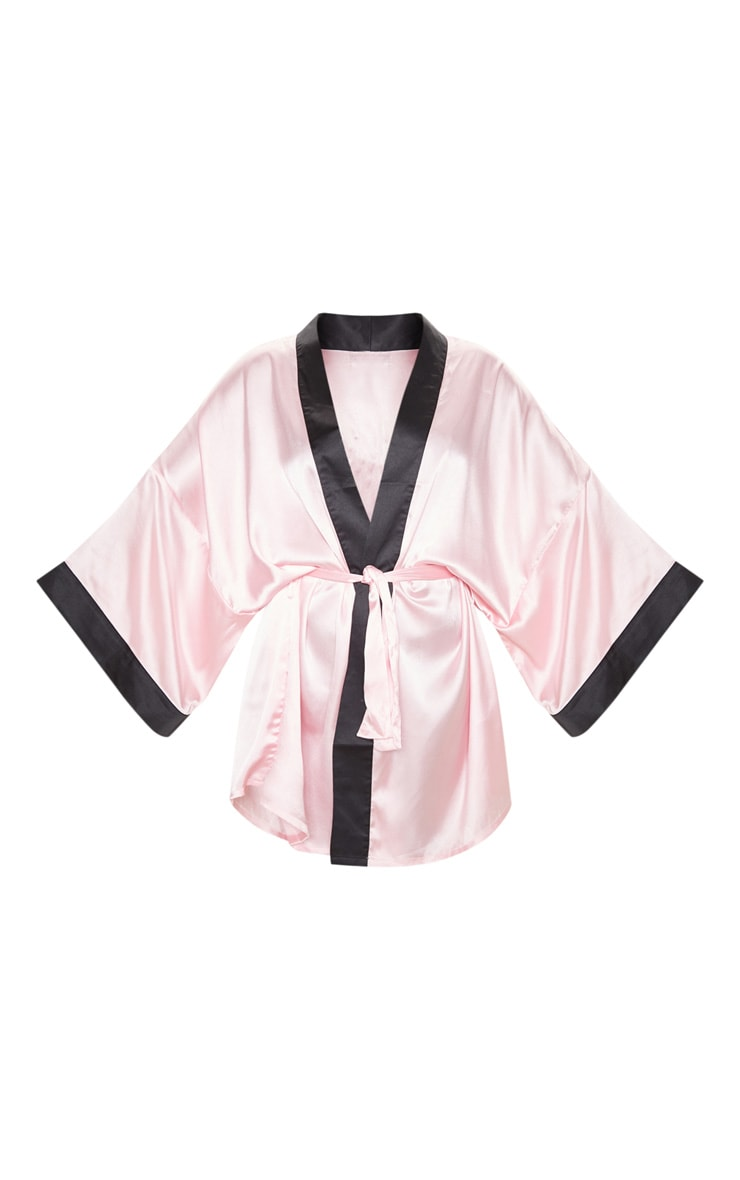 Robe de chambre satinée rose tendre à slogan Do Not Disturb 3