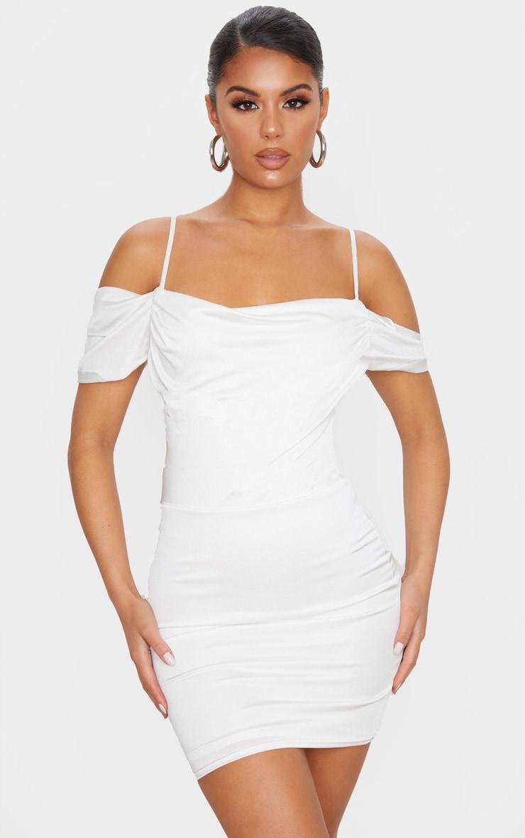 Robe moulante slinky blanche à col bénitier et épaules dénudées 1