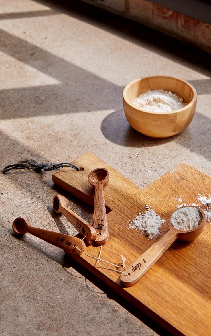 Brown Wooden Measuring Spoons 1