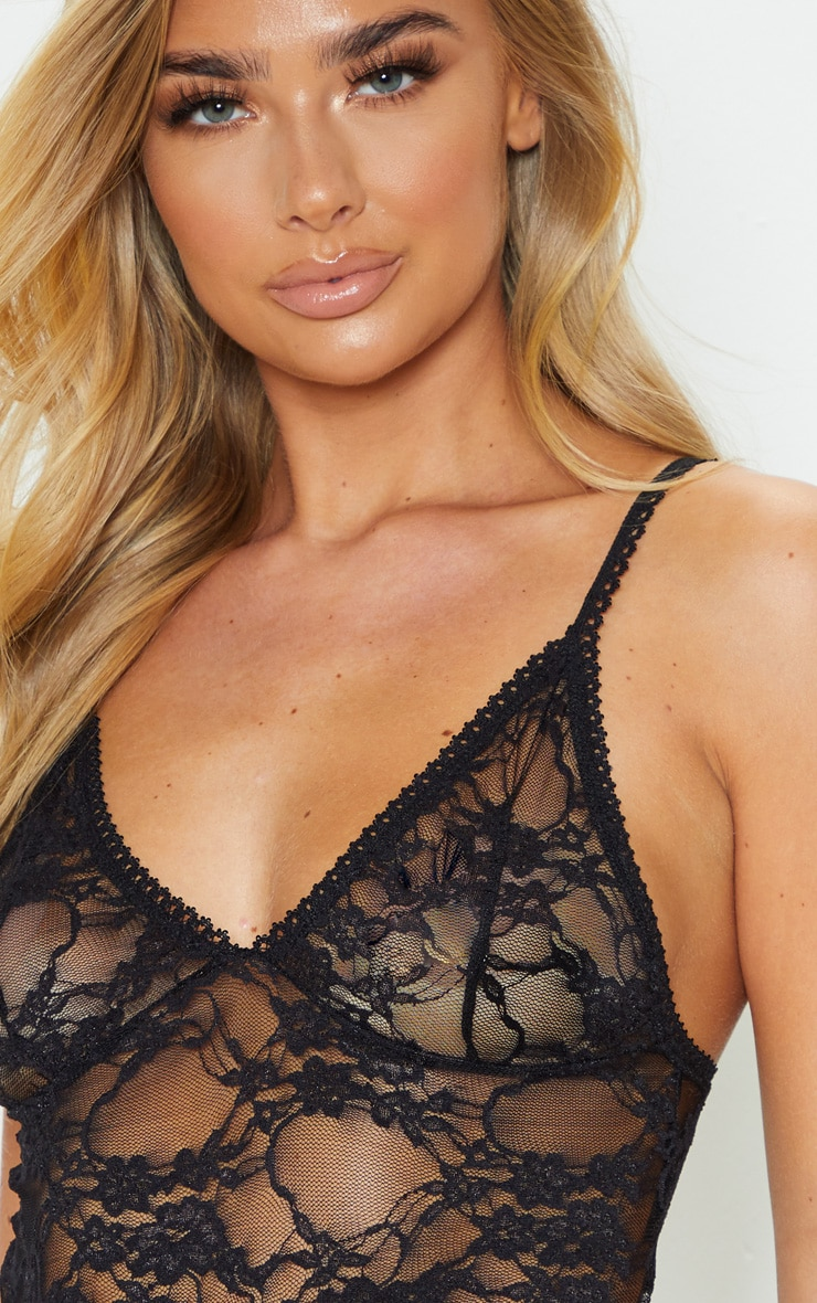 Luma Black All Over Lace Crop Top & Short Set 5