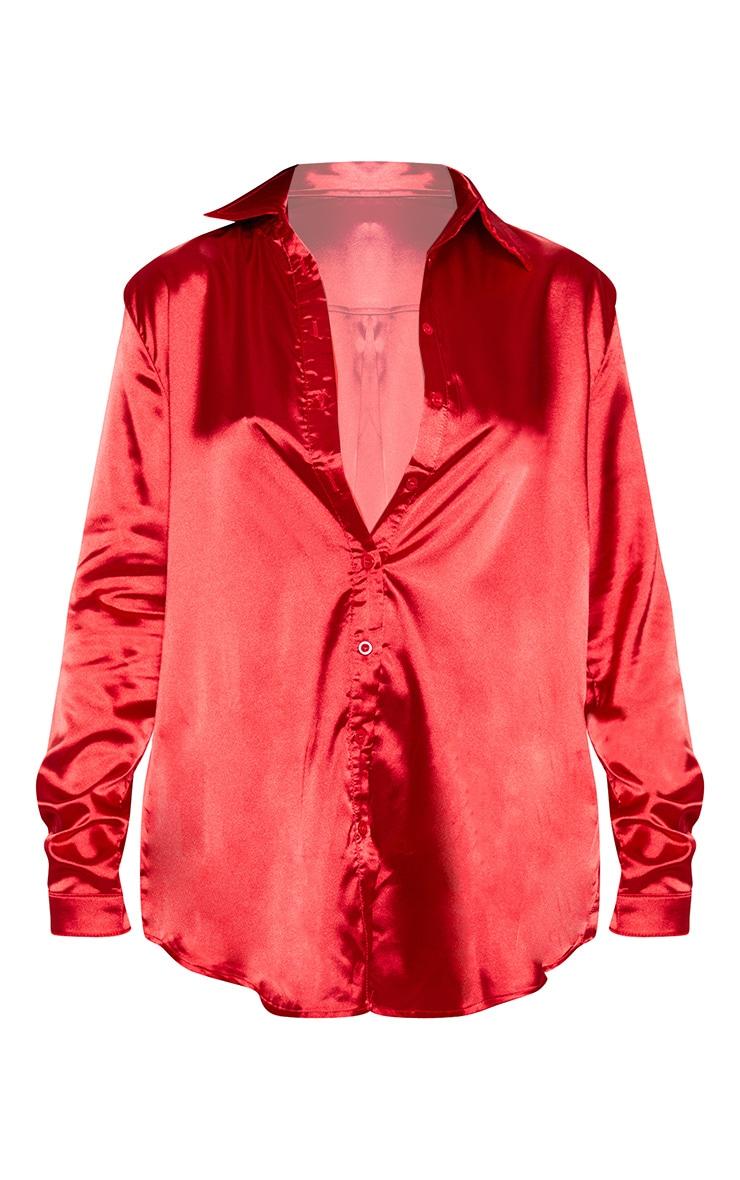 Chemise satinée rouge boutonnée devant 3