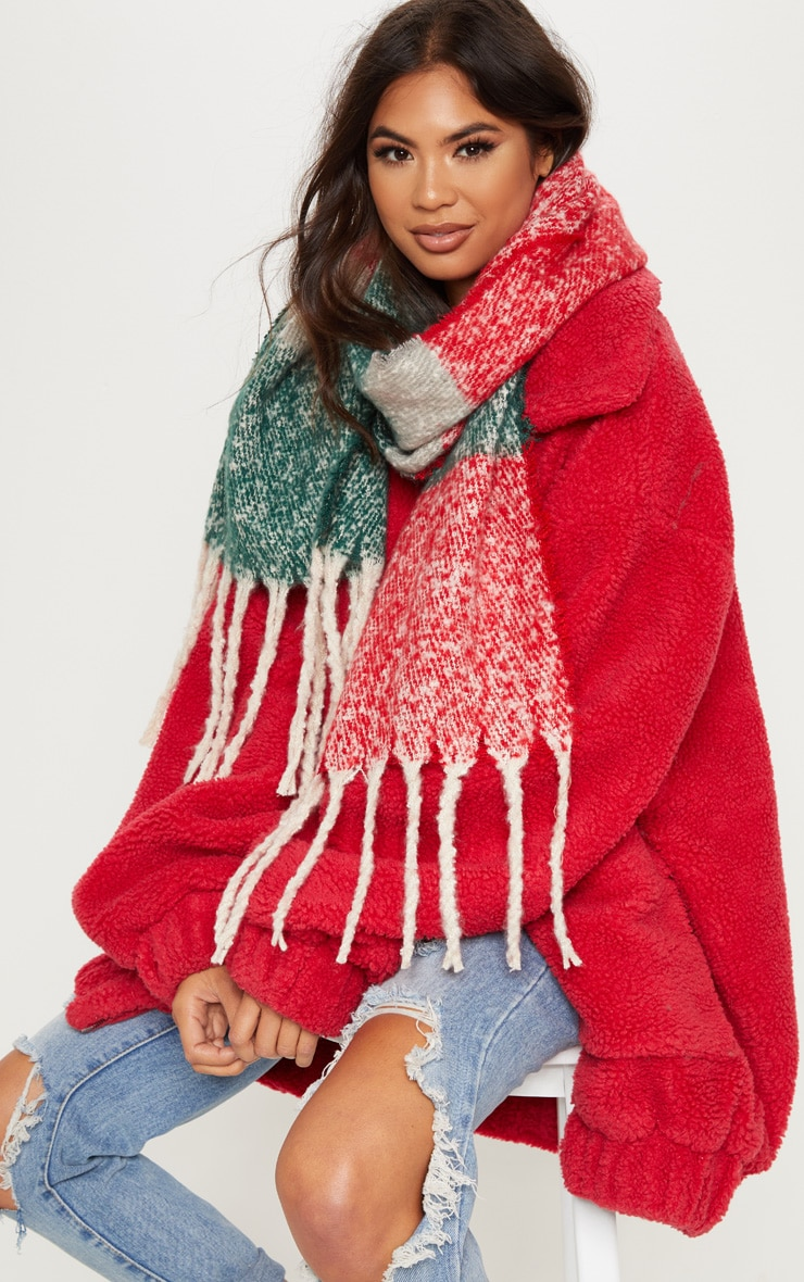 Red And Green Blanket Tassel Scarf 1
