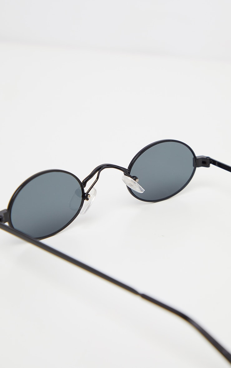 Black Small Squashed Round Lens Sunglasses  4