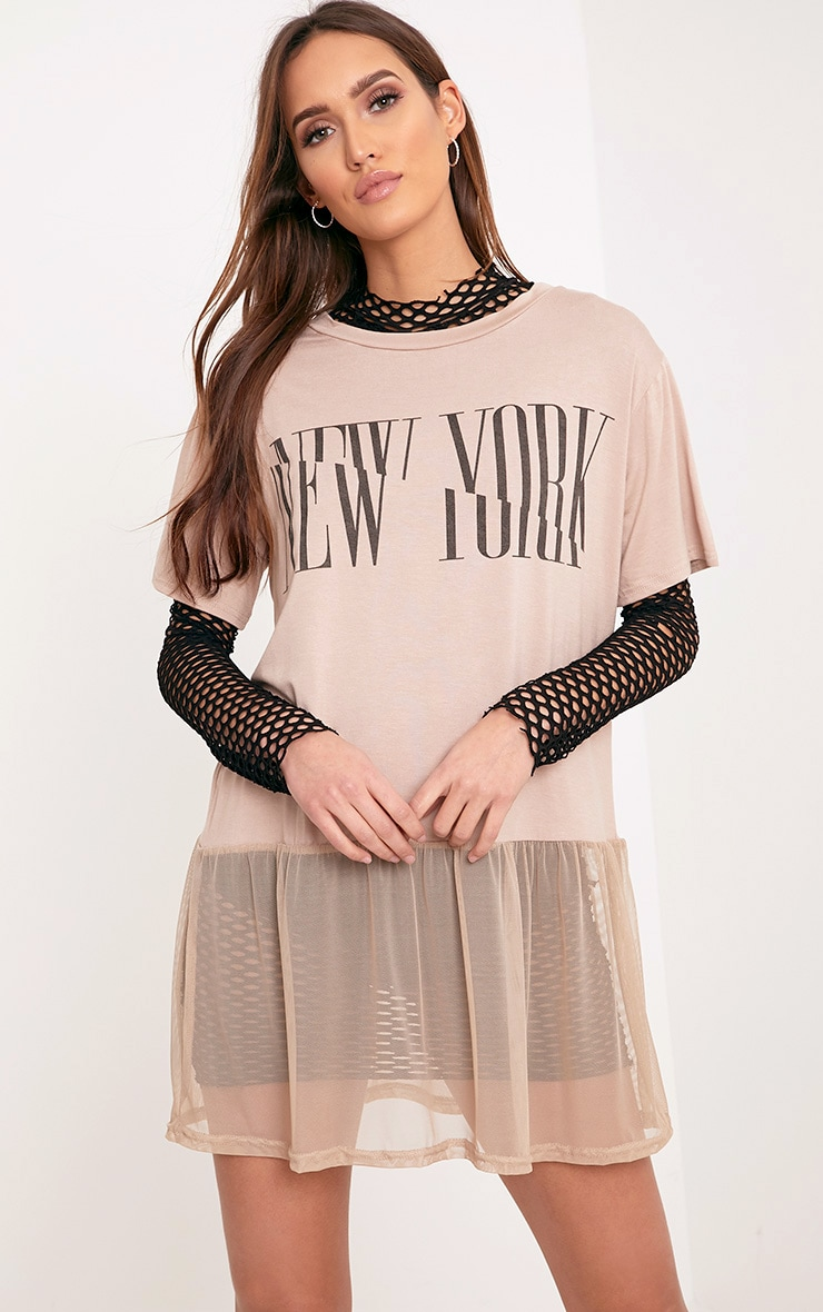 NEW YORK Spliced Slogan Nude Mesh Hem T Shirt 1