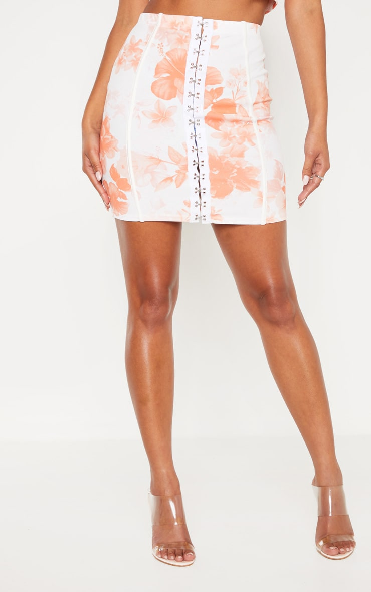 White Rose Print Hook and Eye Piped Detail Mini Skirt 2