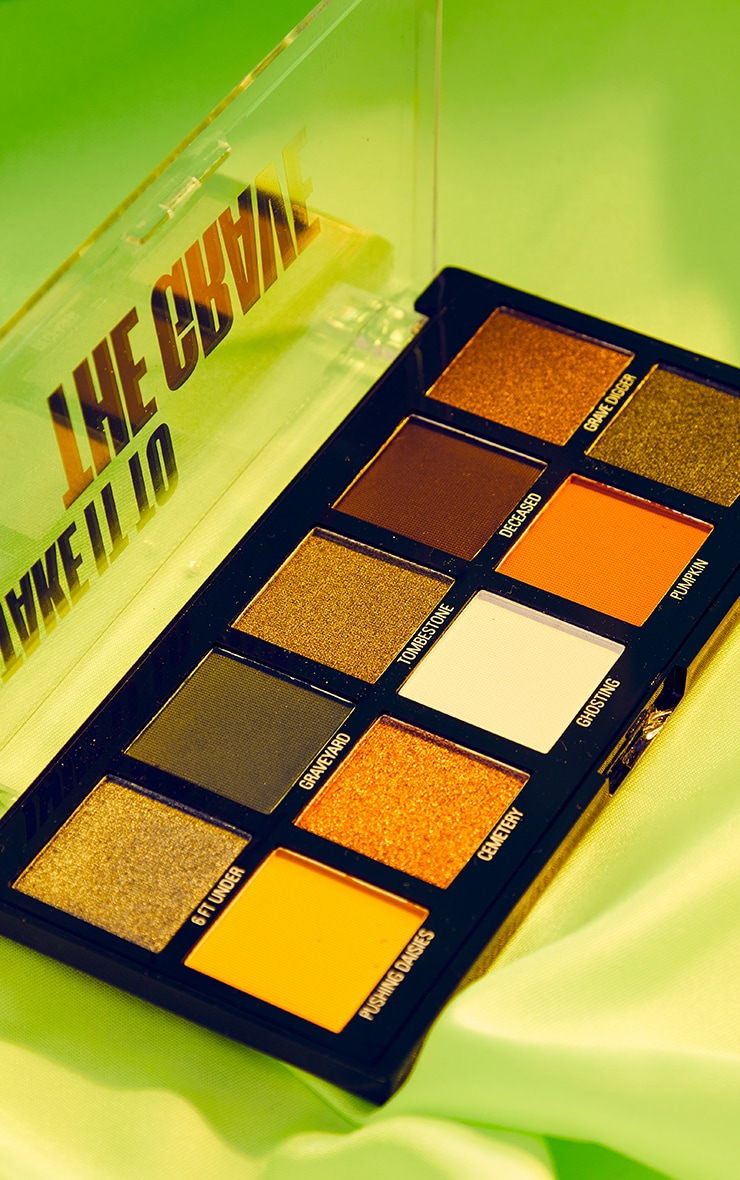 Makeup Obsession Halloween Take It to the Grave Shadow Palette 4