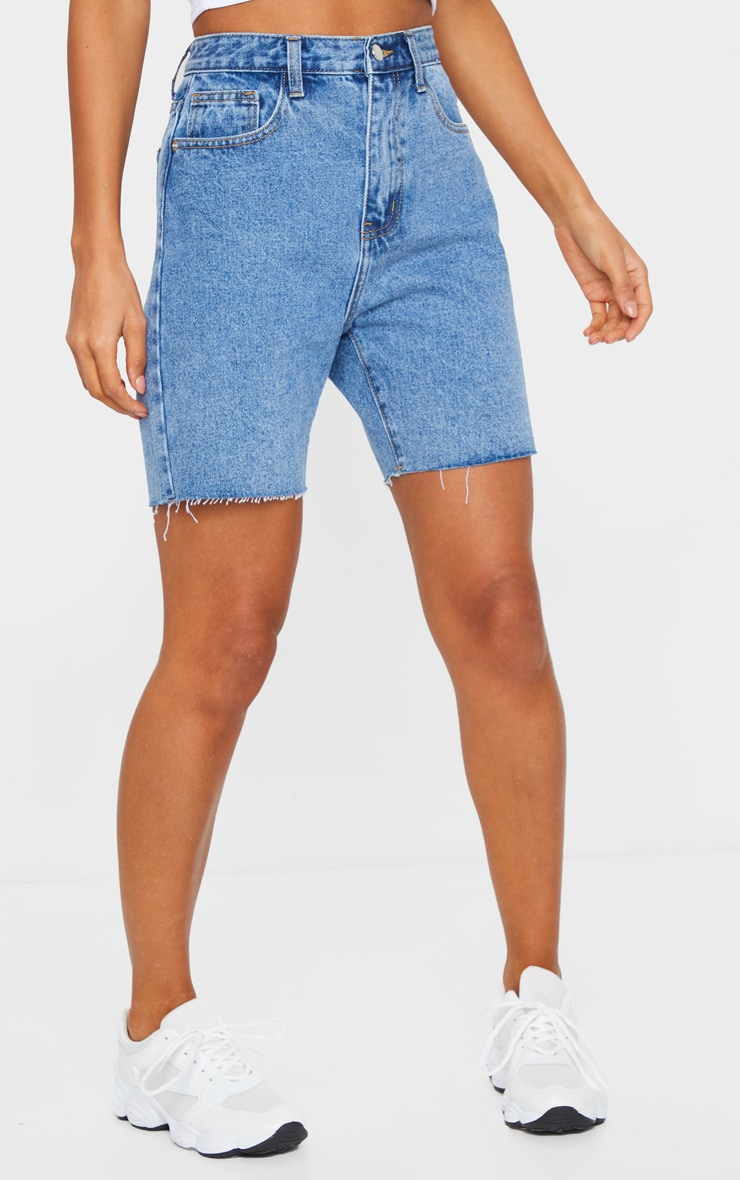PRETTYLITTLETHING Mid Blue Wash Longline Fitted Denim Shorts 2