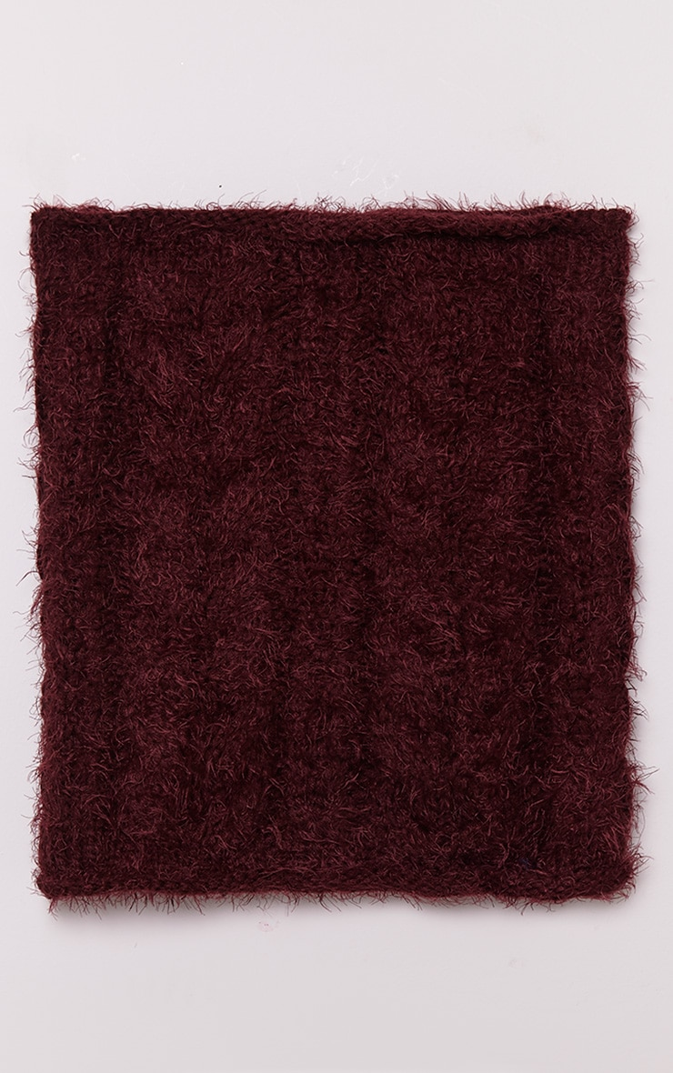 Two Pack Burgundy Knitted Beanie and Snood 5