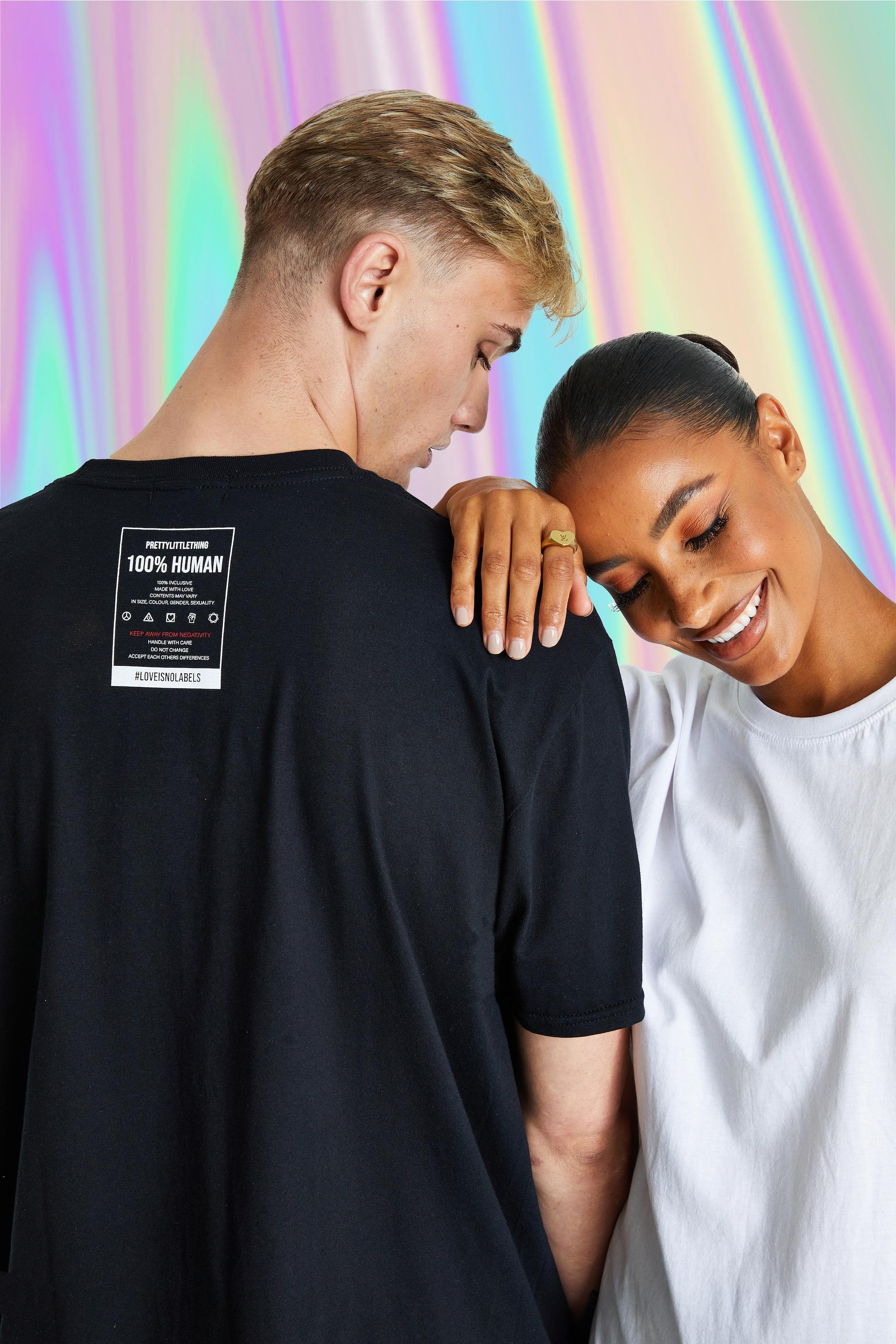 PRETTYLITTLETHING Black No Labels T-Shirt 1