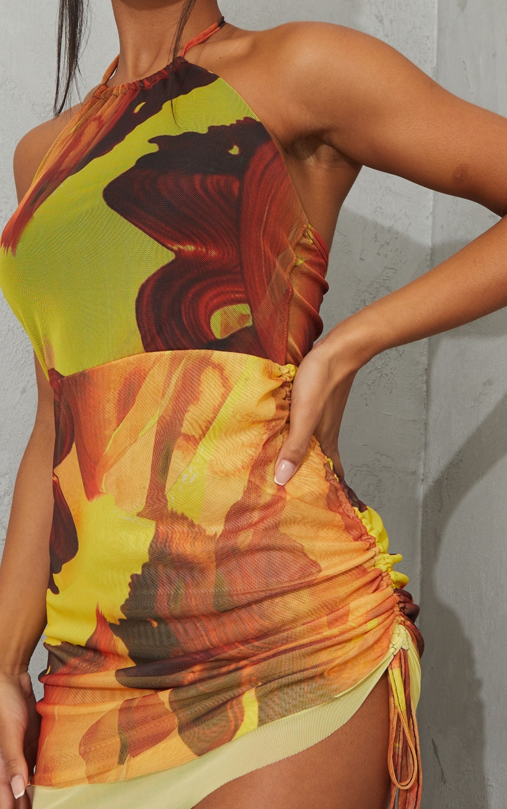 Robe moulante dos nu orange imprimé abstrait en mesh superposé 4