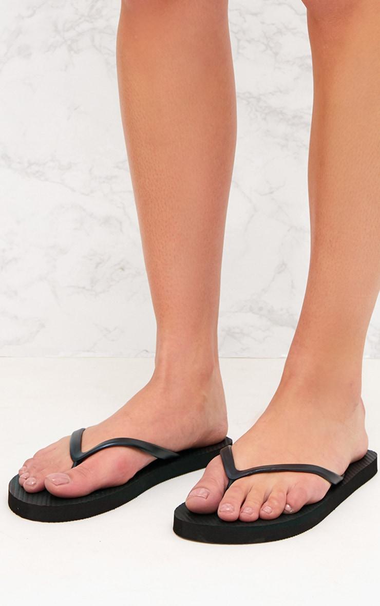 PRETTYLITTLETHING Black Flip Flops 3