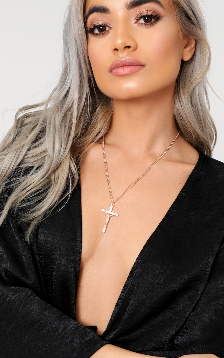 Gold Renaissance Cross Pendant Necklace 1