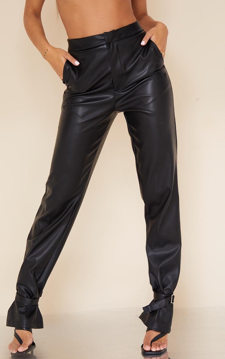 Pantalon droit en similicuir noir à détail chevilles 2