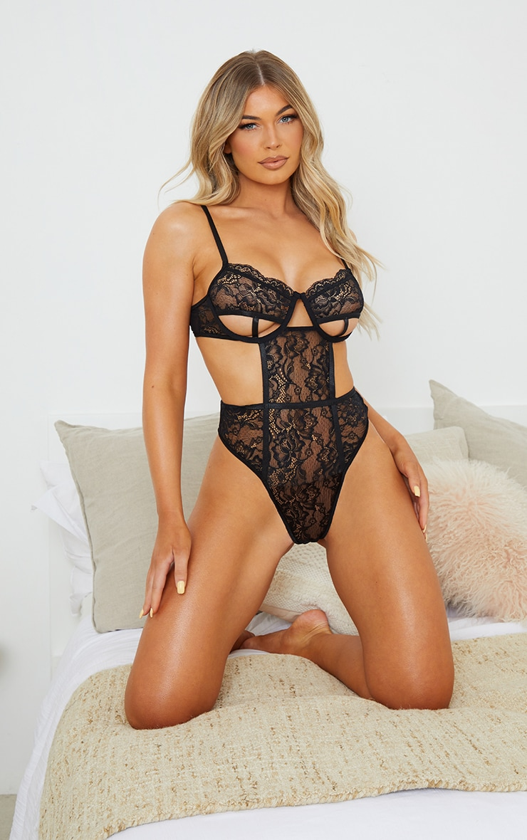 Black Lace Underwired Cut Out Cup Detail Body 3