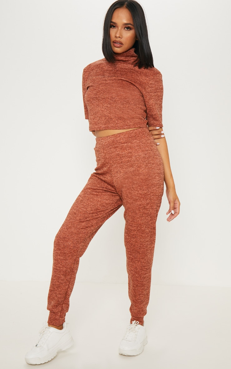 Rust Knitted Jogger Set 4