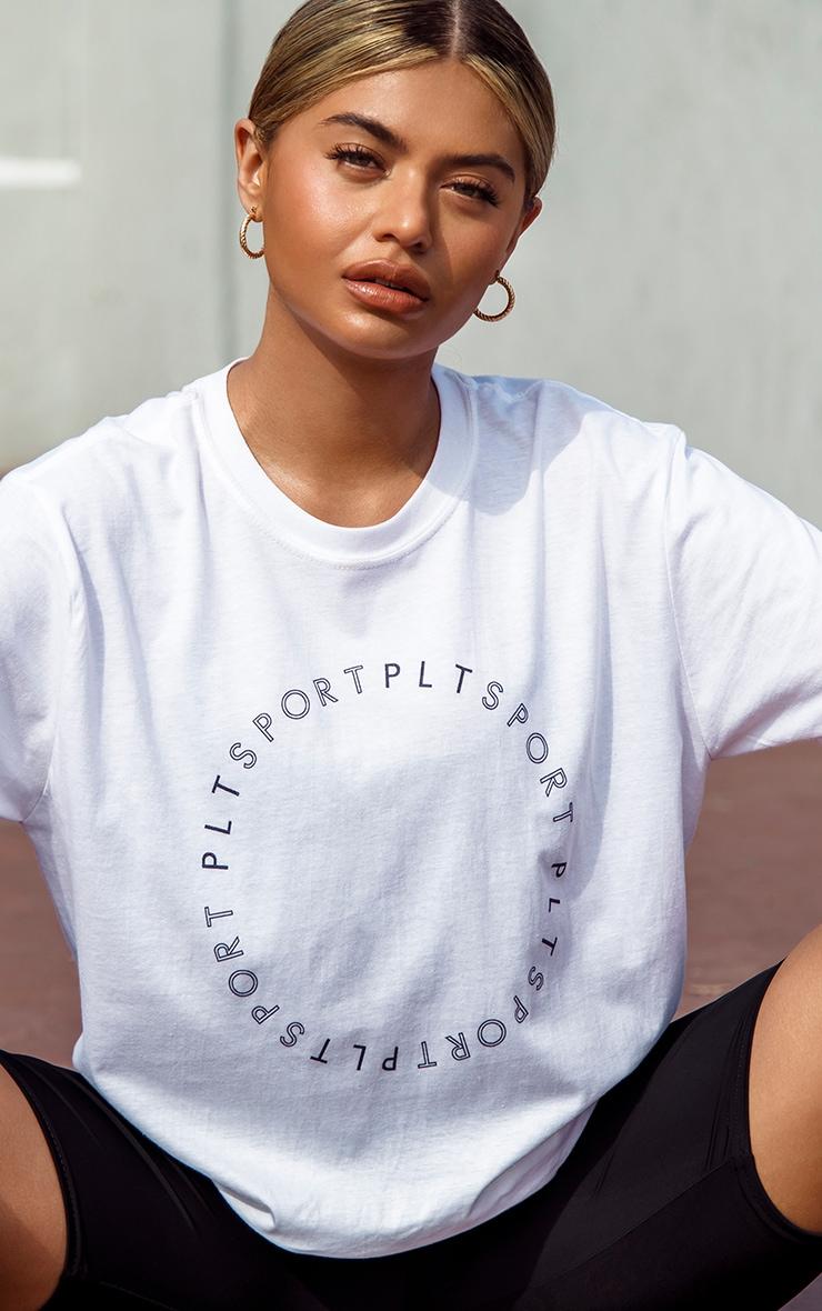 PRETTYLITTLETHING - T-shirt de sport oversize à cercle blanc  5