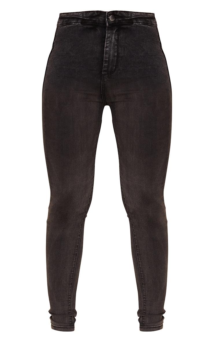 بنطلون جينز ضيق مزود بخمسة جيوب باللون الأسود الباهت من بريتي ليتل ثينج 5