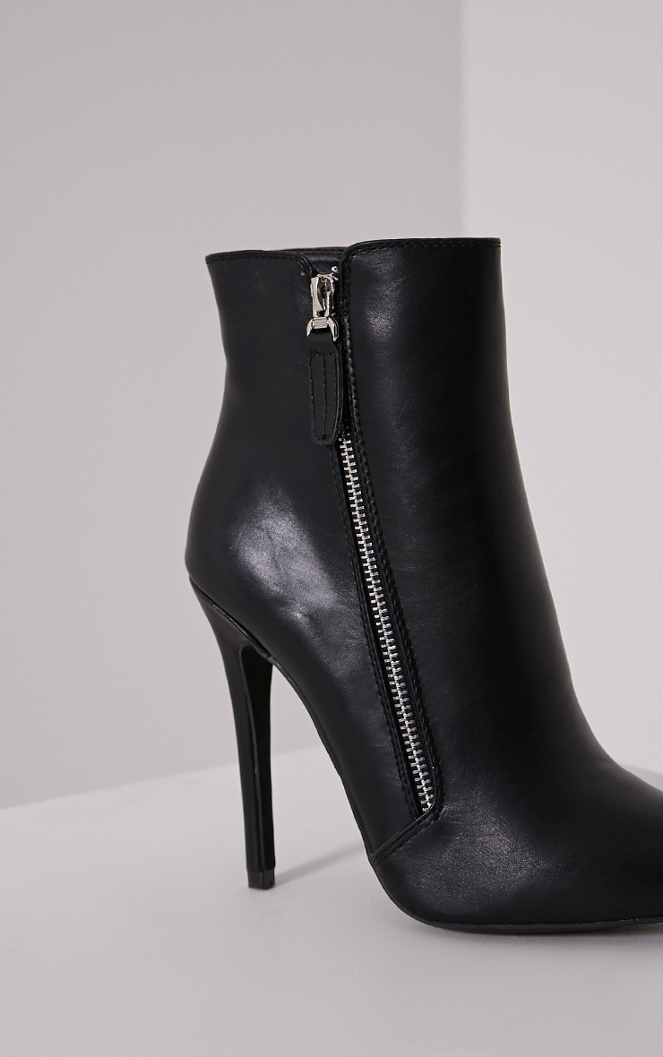 Soreenah Black Faux Leather Zip Detail Pointed Ankle Boots 6