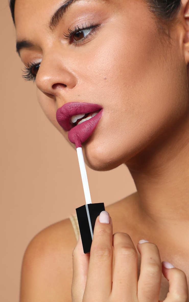 Sleek MakeUP Velvet Slipper Matte Me Liquid Lipstick 3