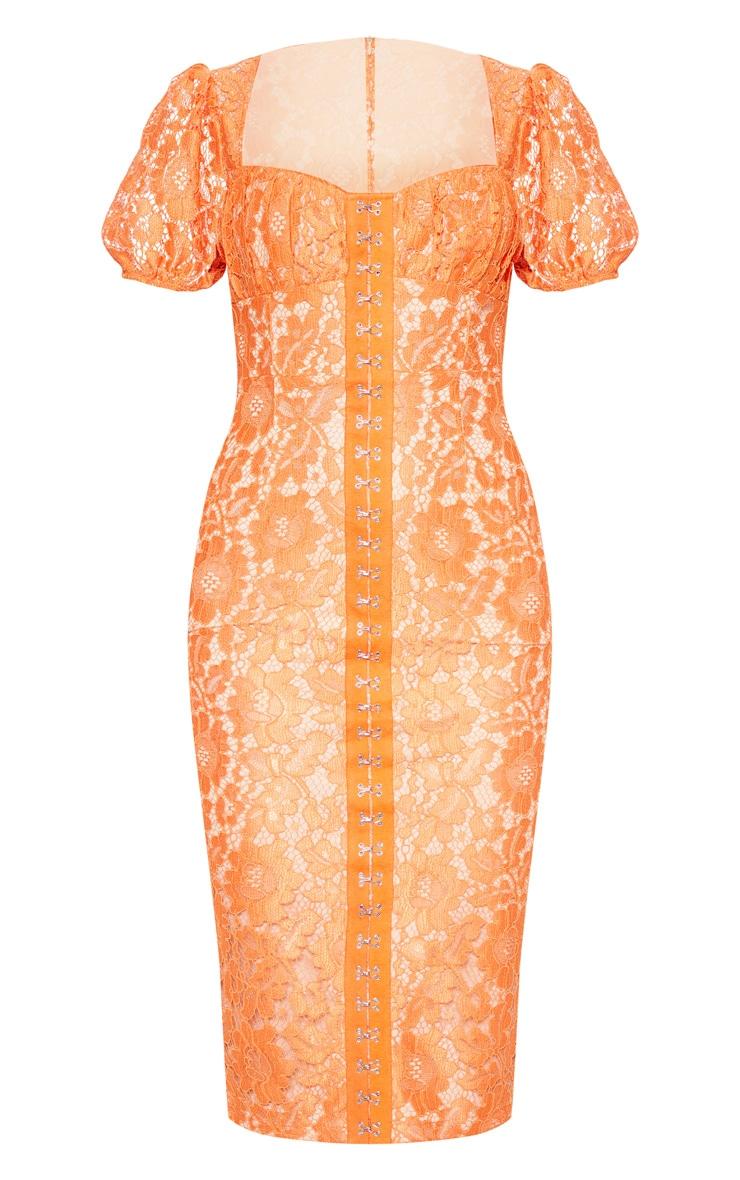 Robe mi-longue en dentelle orange à manches bouffantes 4