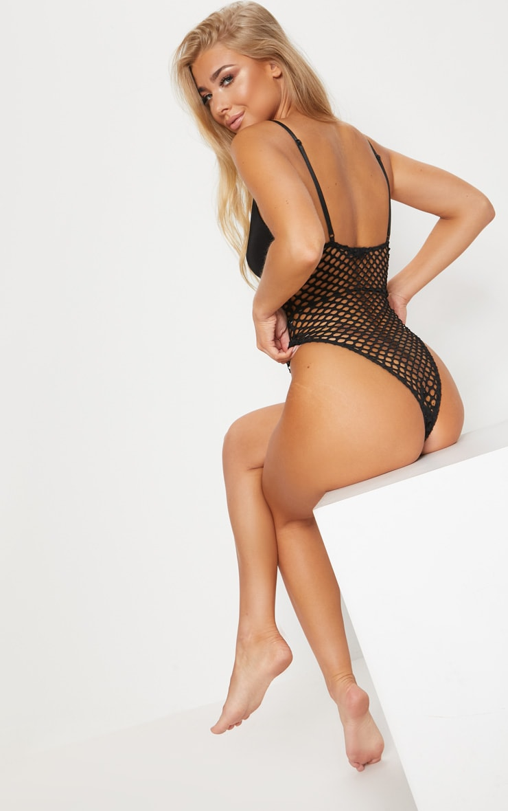 Black Laced Middle Jumbo Fishnet Body 2