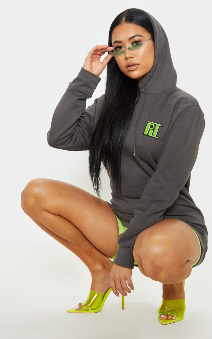 PRETTYLITTLETHING Petite Charcoal Slogan Oversized Hoodie 4