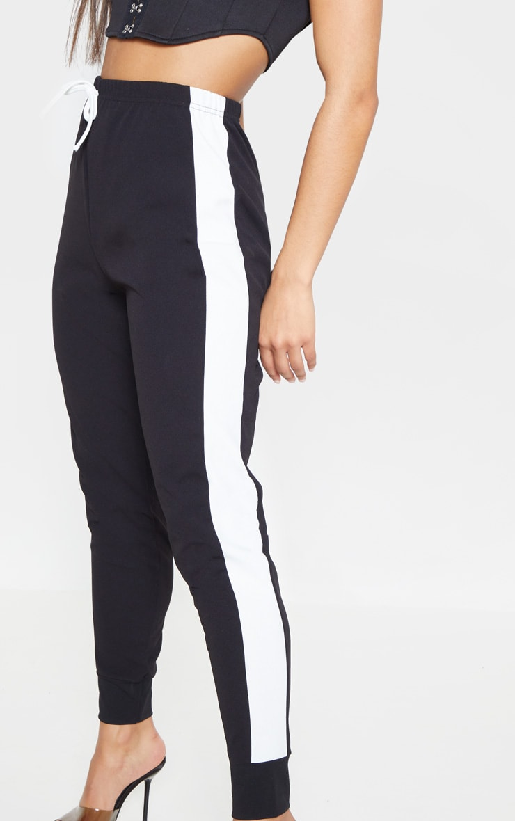 Black Side Stripe Detail Jogger 5