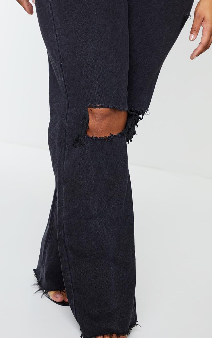 PRETTYLITTLETHING Plus Black Distressed Long Leg Straight Jeans 4