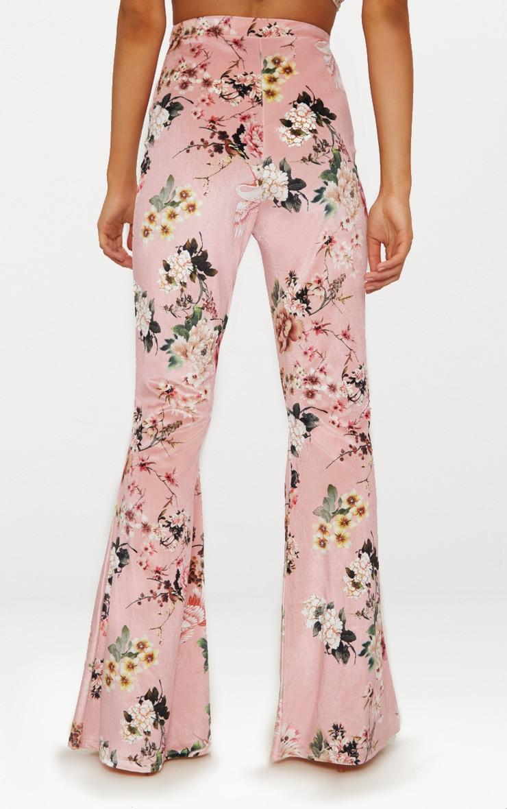 Petite - Pantalon flare en velours nude à imprimé floral 4
