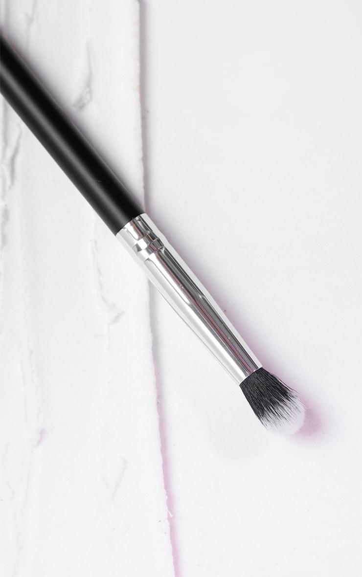 PRETTYLITTLETHING Blending Brush PLT08 3